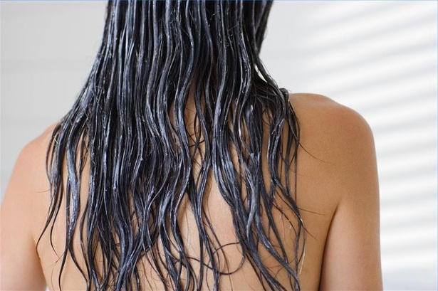 Apply Egg and Avocado hair mask to get silky and shiny hair