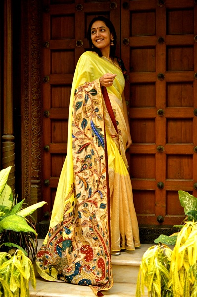 Saree with long trail