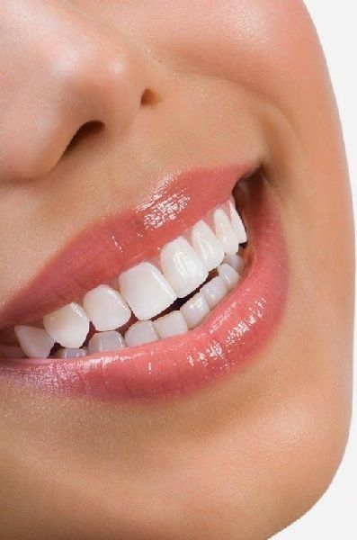 10 WAYS TO WHITEN TEETH NATURALLY