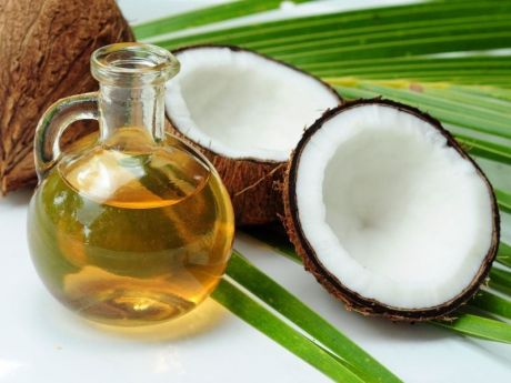 Benefits of coconut oil for beauty boost