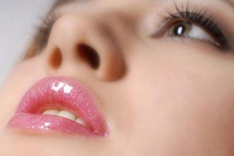 TIPS FOR LIGHTENING DARK LIPS