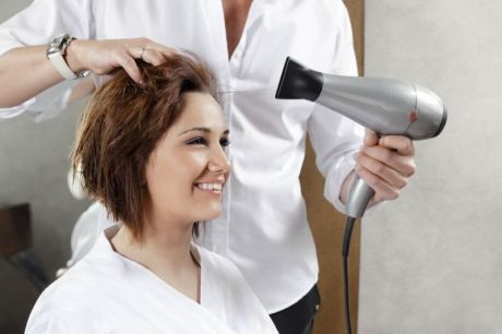 The Advantages of Availing Beauty Service At Home