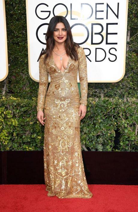 Priyanka Chopra dazzles in golden at Golden Globes Award